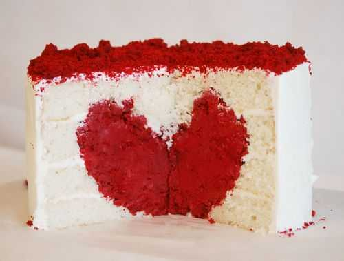 6a00e551040fb78834012876d6ef05970c 500wi You had me at cake... heart cake and heart bunting