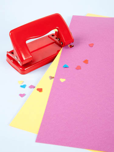 hole punch375 You had me at cake... heart cake and heart bunting