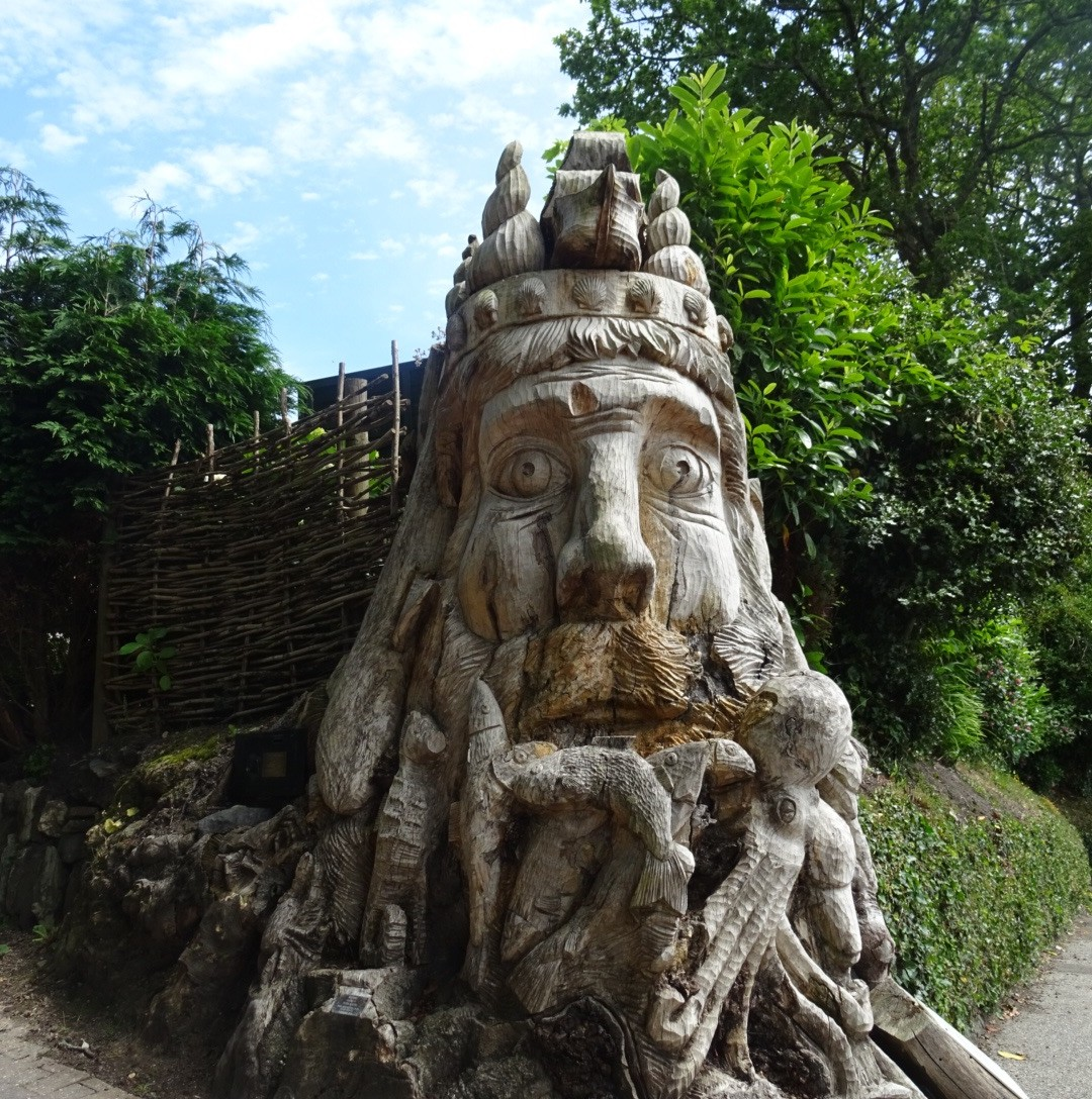 Roadside Neptune carving in Cornwall | Conversation Pieces